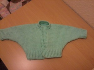 Really nice, really simple pattern for a cardigan you can knit up in one go (only seam is up the side) unfortunately pattern only comes in preemie size, so shall have to do some jiggery pokery to work out larger sizes.